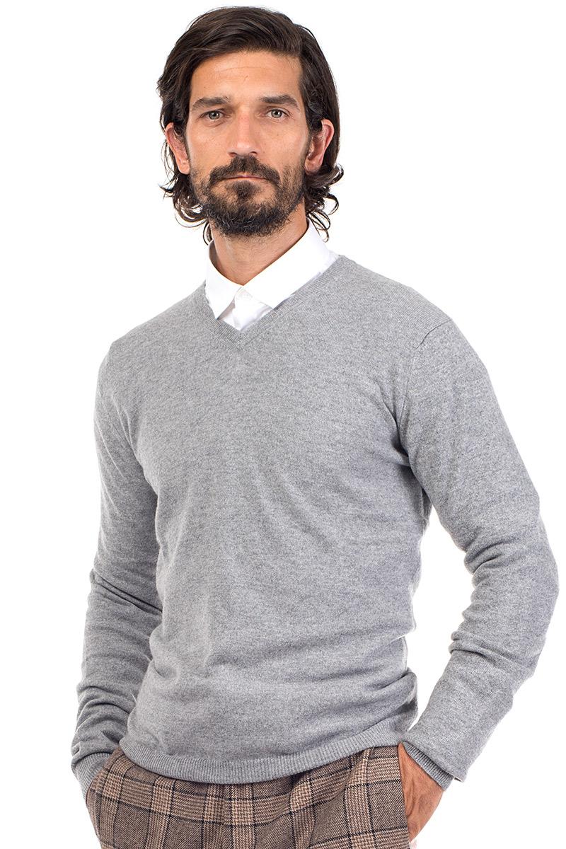 4b4a6c38405e Killington   Men's Cashmere V Neck Sweater in Light Grey ...