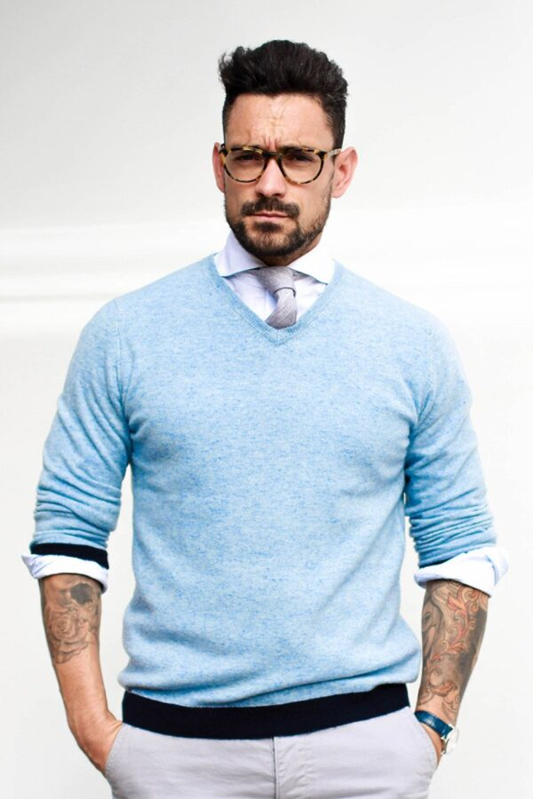 Ludlow V Neck Sweater In Melange Blue
