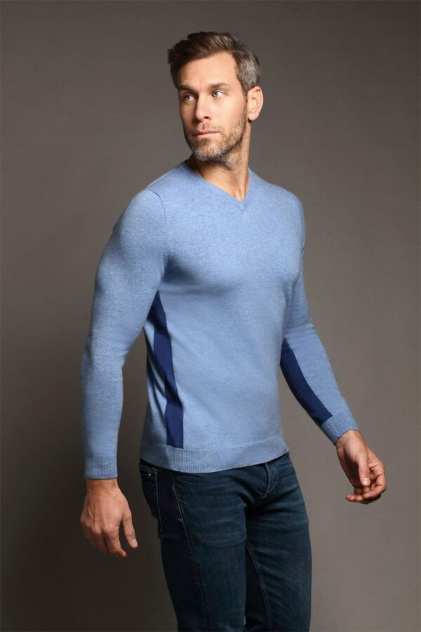 Heath V-Neck Chambray Blue Sweater